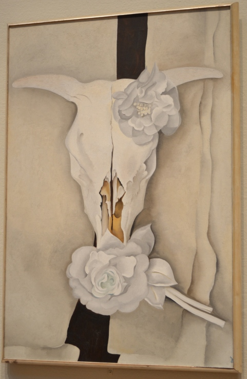 Georgia O'Keeffe, Cow Skull with Calico Roses